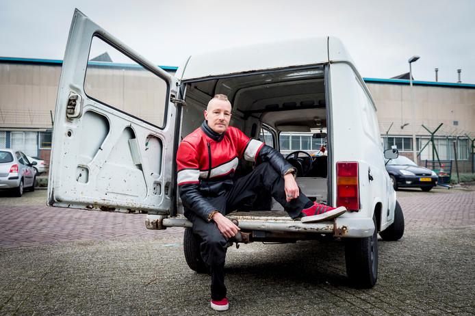 Rockx, lid van de belangenclub Stichting Rotterdamse Klassiekers, vindt dat Langenberg zich met de 'nieuwe' milieuzone schuldig maakt aan ambtelijk machtsmisbruik