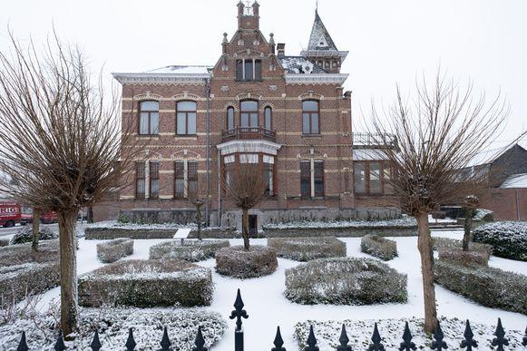 PUURS-SINT-AMANDS Het voormalige gemeentehuis van Sint-Amands