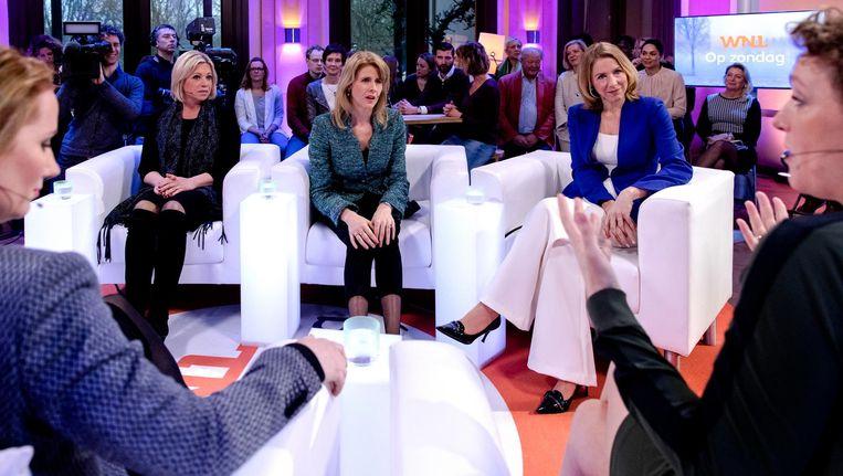 (VLNR) Fleur Agema (PVV), Jeanine Hennis-Plasschaert (VVD), Monica Keijzer (CDA), Stientje van Veldhoven (D66) en Renske Leijten (SP) voor aanvang van het eerste televisiedebat van Omroep WNL met vrouwelijke politici. Beeld anp