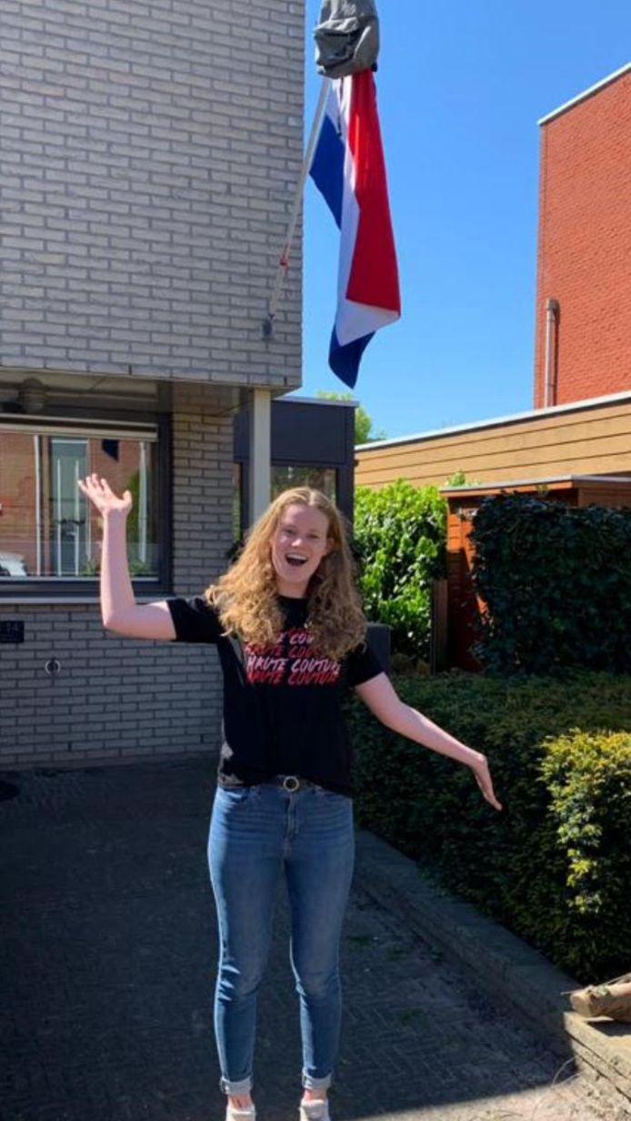 De ouders van Valerie Langstraat (16) uit Zwolle zijn apetrots. Valerie behaalde haar vmbo t-diploma op het Carolus Clusius College. Ze start in september bij Aventus Apeldoorn de opleiding verkoop manager mobiliteitsbranche.