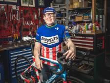 """Fietsenmaker Patrick charmeert elke dag met filmpjes over wielerwereld: """"In elke video probeer ik een positieve boodschap te steken"""""""