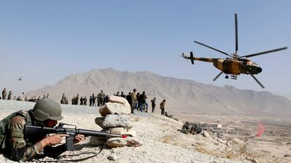 Zelfmoordaanslagen op moskeeën in Afghanistan: minstens 70 doden