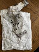 In de uitgebrande auto bleef een enveloppe met adres over. Mogelijk is het belangrijk bewijs.