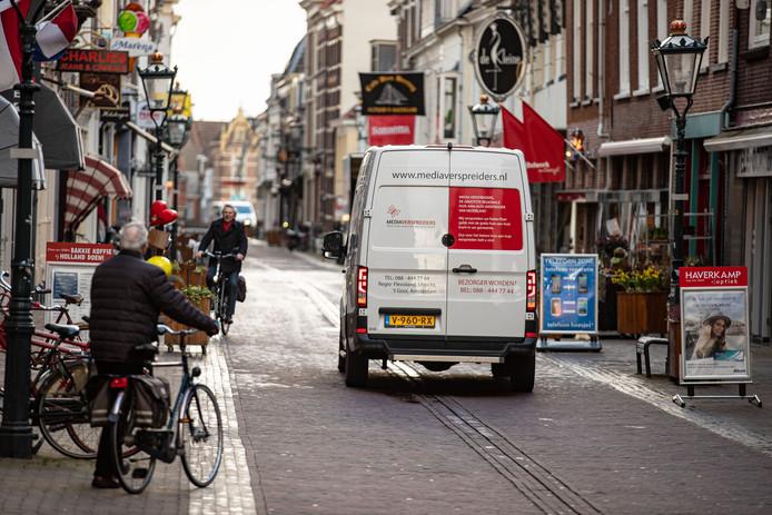 Kampen heeft de venstertijden voor laden en lossen in de voetgangerszone verruimd.