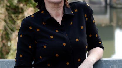 """Actrice Viv Van Dingenen is terug na strijd tegen kanker: """"Aan alle tv-makers: graag weer wat rollen aub"""""""