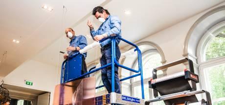Looproutes, kuchschermen en verplicht handen wassen: zo pakken musea het vanaf 1 juni aan