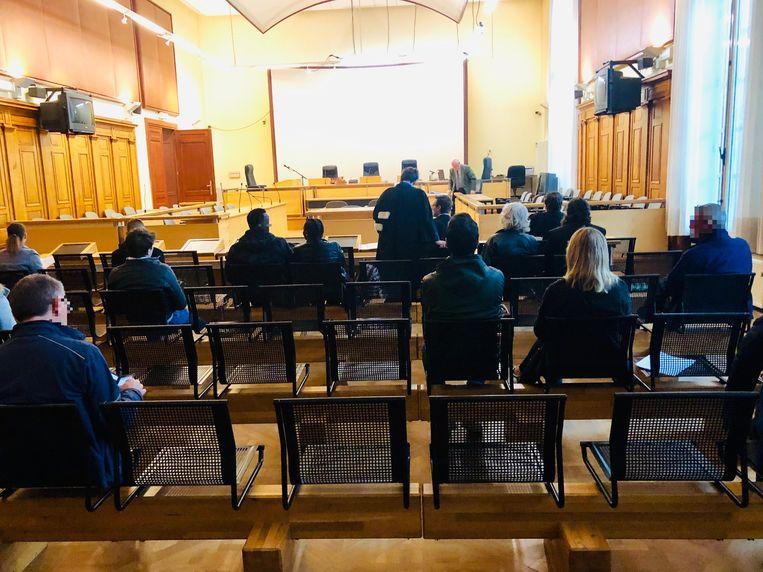 Tijdens een zitting van de correctionele rechtbank in Leuven moesten de bijzitters zich verantwoorden voor hun afwezigheid tijdens de afgelopen gemeenteraadsverkiezingen.