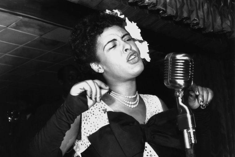 Billie Holiday in New York, 1947. 'Ik heb mezelf haar rustige maar diepe manier van zingen bewust aangeleerd.' Beeld Getty