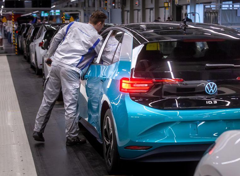 """Beeld ter illustratie, """"miljoenen banen op het spel in Europese auto-industrie""""."""