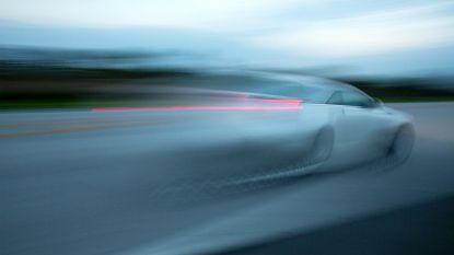 Man wilde vrouw inhalen aan 180 kilometer per uur