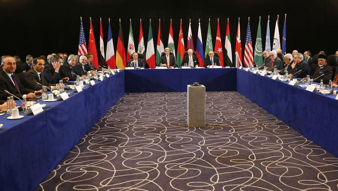 Diplomatiek overleg in München.