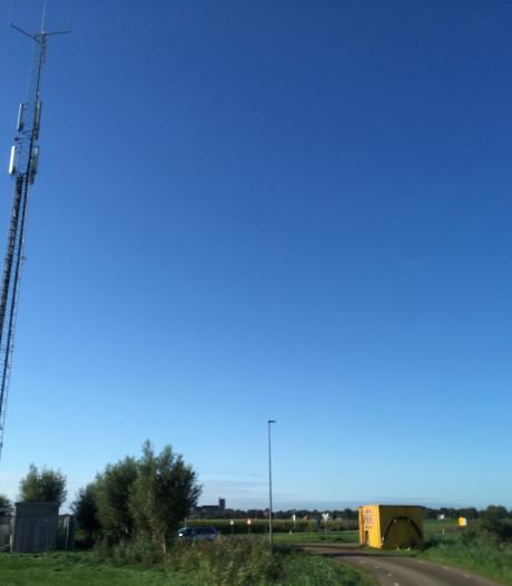 Verzet tegen plaatsing antennemast in beschermd stadsgezicht Elburg-Vesting