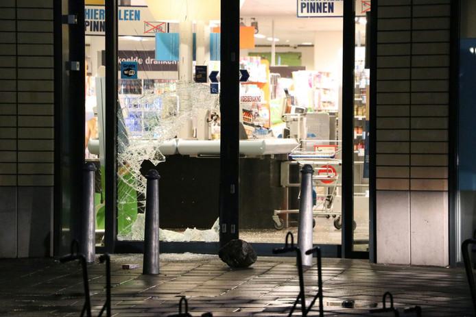 Inbraak bij Albert Heijn in de wijk Twekkelerveld in Enschede