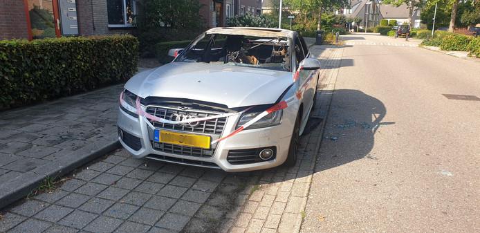 Politieonderzoek na de brand in een auto aan Grootveldschelaan in Malden