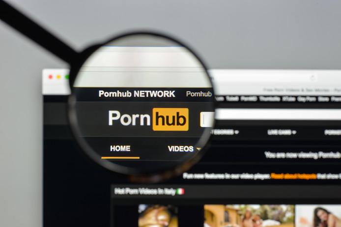 Onder meer op Pornhub werden schadelijke advertenties gevonden.