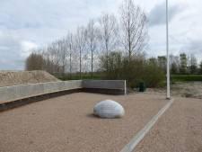 Esch heeft voortaan eigen gedenkplek in haventje bij Essche Stroom