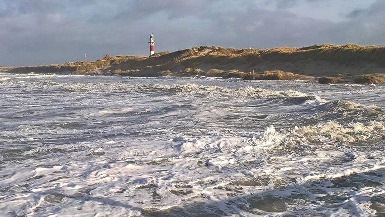 De zee is vrij onstuimig vandaag, met windstoten tot 9 beaufort in combinatie met het springtij.