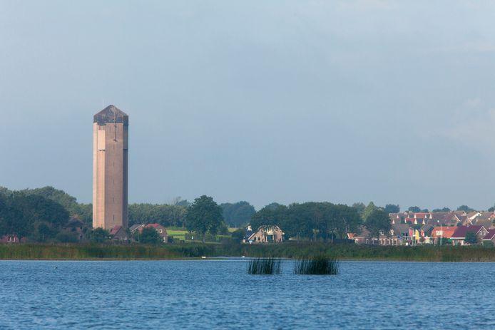 De monumentale watertoren in Sint Jansklooster kan elke zaterdag worden beklommen. Vanwege coronaregels moet daar vooraf een plekje voor worden gereserveerd bij het bezoekerscentrum van Natuurmonumenten in De Wieden.