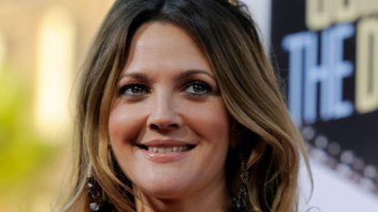 EgyptAir zegt sorry voor bizar interview met Drew Barrymore