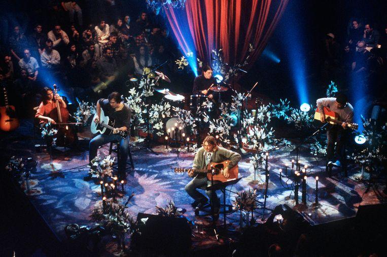 Kurt Cobain van Nirvana tijdens MTV Unplugged.  Beeld Getty Images