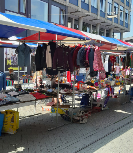"Kidswarenmarkt in Hengelo: ""We gaan pas weg als alles leeg is"""