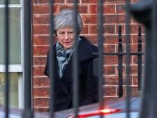 Daar is ze weer: May opnieuw naar Brussel voor hulp