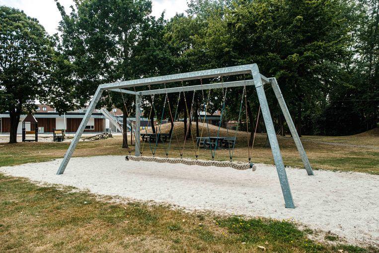 Nieuwe speeltuigen in het stadspark.