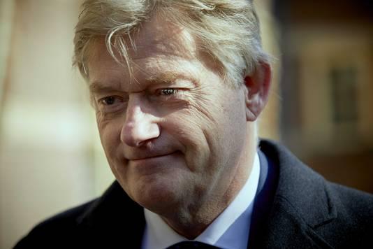 Demissionair staatssecretaris Martin van Rijn praat morgen met het kabinet over de scenario's.