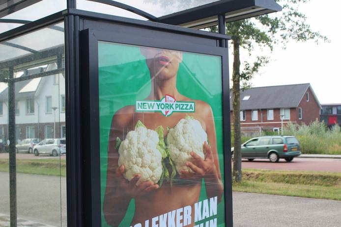 Een reclamecampagne van New York Pizza zorgt voor de nodige ophef.