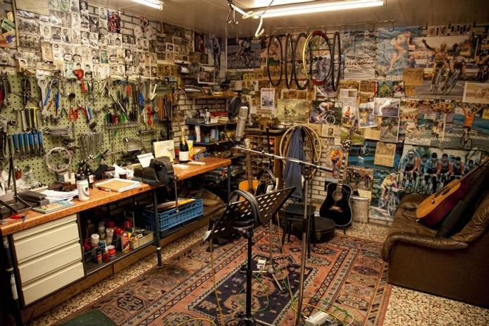 Om deze ruimte van sporthuis Hubert is het allemaal te doen in het televisieprogramma dat in de nacht van zondag op maandag wordt uitgezonden. archieffoto BN DeStem