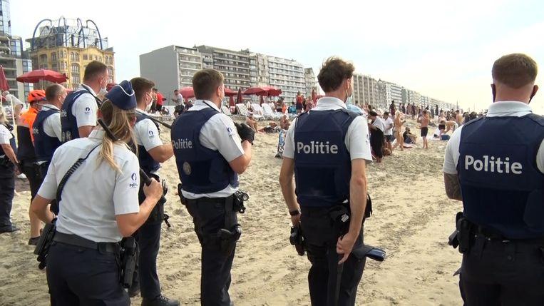 Op het strand van Blankenberge leefden relschoppers uit Brussel zich vorig weekend uit.
