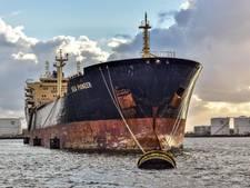 18-koppige bemanning olietanker al vijf weken muurvast in Amsterdamse haven