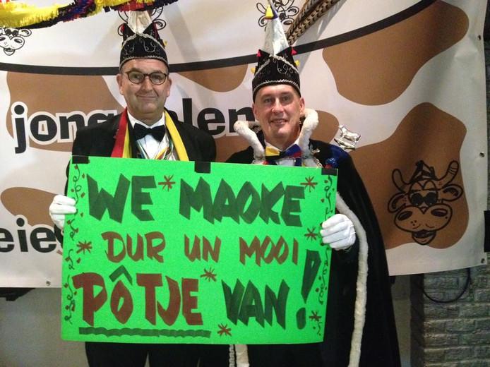 De prins en adjudant met het thema in Keiespellersdurp komende carnaval.