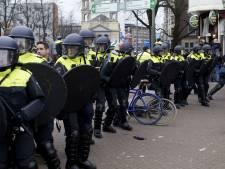 Van der Laan beëindigt grimmige demonstratie