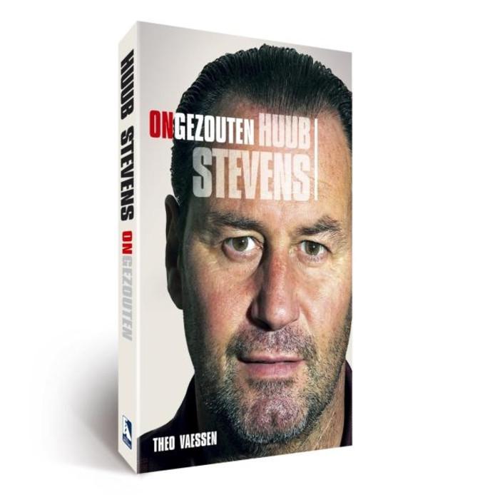 De cover van het boek ' ONGEZOUTEN' over de huidge PSV-trainer Huub Stevens. foto House of Knowledge