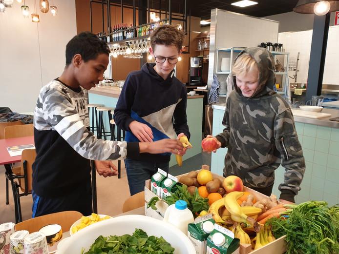 Leerlingen van het Udens College testen nieuwe app voor gezonde leefstijl