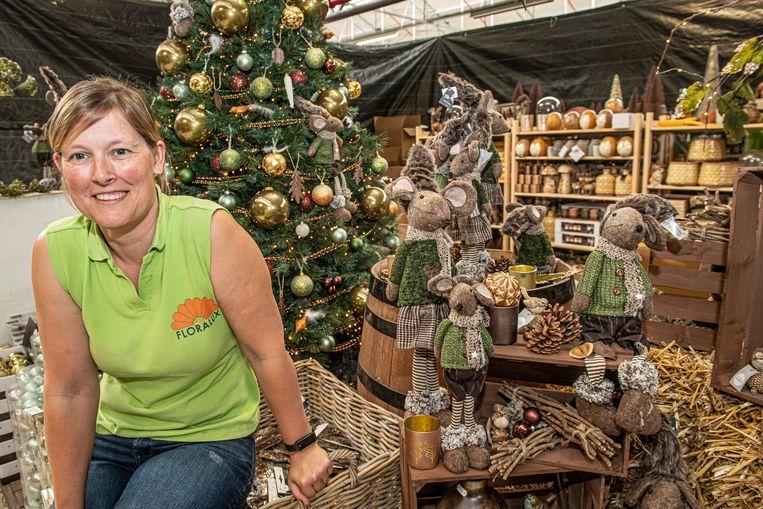 Voor Valerie Watteyne, verantwoordelijke van de kerstafdeling bij Floralux, is het altijd een beetje Kerstmis.