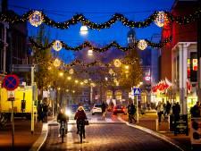 Sfeervol richting de feestdagen: de kerstverlichting hangt weer!