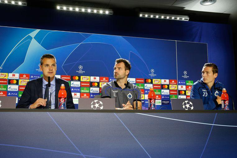 Woordvoerder Kirsten Willem, coach Ivan Leko en spelmaker Hans Vanaken op de persconferentie.