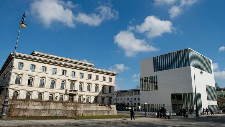 Een jonge generatie historici kwam met een geniale oplossing: restaureren, en daarnaast een uitputtend documentatiecentrum over de Hitlertijd bouwen. Beeld null