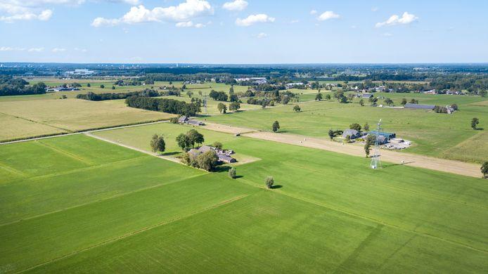 In Gelderland en Overijssel stoppen om allerlei redenen honderden boeren per jaar. Maar wat doe je dan met de boerderijen, stallen en weilanden?
