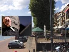 Arnhemse (21) vrijgesproken van in buik steken man op Rijnkade