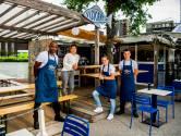 Je voeten in het zand en een tafel vol vis: bij de Viskantine waan je je aan de 'Costa del Cool'