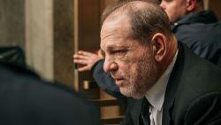 Jury Weinstein-proces krijgt stilaan vorm, één potentieel jurylid riskeert celstraf voor Tweet over rechtszaak