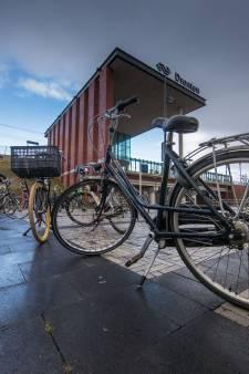 Op deze stations in Oost-Nederland heb je straks meer plek om je fiets te stallen