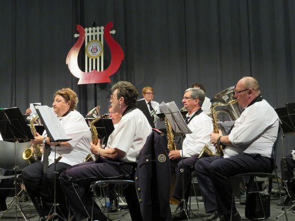 De Koninklijke Gemeenteijke Harmonie gaf een eerste zomerconcert