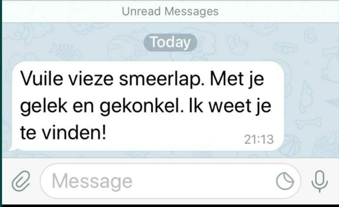 Bericht op telefoon woordvoerder Henk Krol. De afzender zou senator Jeroen de Vries zijn.