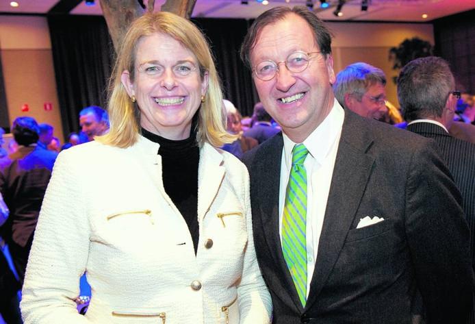 Bart van Meer met burgemeester Pauline Krikke in 2013. Van Meer beziet de relatie tussen OKA en gemeente als 'een goed huwelijk waarin het af en toe flink knalt'.