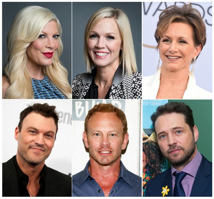 Tori Spelling, Jennie Garth, Gabrielle Carteris, Brian Austin Green, Ian Ziering et Jason Priestley.