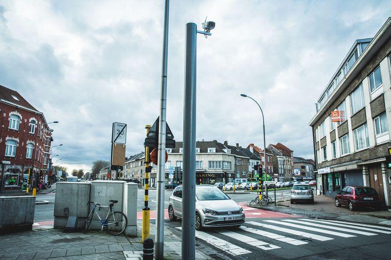 De camera's zijn makkelijk te spotten. Hier het exemplaar aan de Drongensesteenweg.